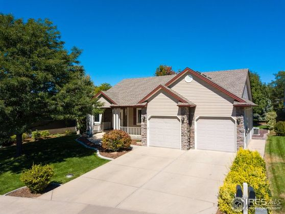 885 Falcon Ridge Court Photo 1