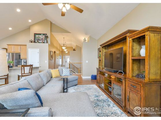 6124 Nearview Court Photo 1